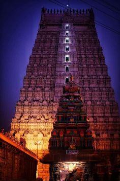 கோபுர தரிசனம் கோடி புண்ணியம்  Stunning night view of Thiruvannamalai temple Raja Gopuram .. Indian Temple Architecture, India Architecture, Ancient Architecture, Amazing Architecture, Temple India, Hindu Temple, Photos Of Lord Shiva, Hampi, India Travel