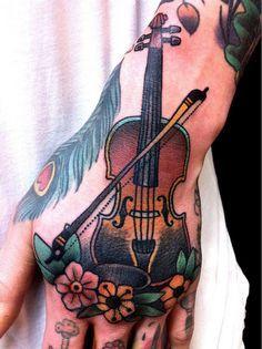 tatuaje de violin new school