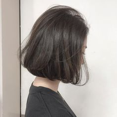 ?size=l Haircuts Straight Hair, Short Straight Hair, Girl Short Hair, Short Hair Cuts, Teen Hairstyles, Short Bob Hairstyles, Pretty Hairstyles, Shot Hair Styles, Curly Hair Styles