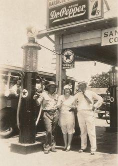 Dallas Service Station 1930's - Traces of Texas