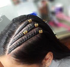 Girl Hairstyles, Braided Hairstyles, Cute Ear Piercings, Grunge Hair, Box Braids, Hair Inspiration, Hair Beauty, Hair Color, Poses