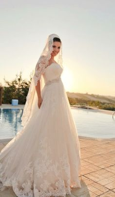 #RealBride Artemis is stunning in Ghislaine from #Enzoani collection!