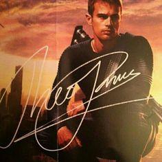 Theo James's signature?!?! Ahhhhhhhh I want this so bad! Its so beautiful