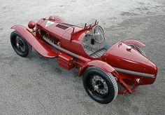jolie petite voiture !