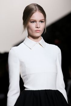 Valentino Fall 2014 Ready-to-Wear Fashion Show Runway Fashion, High Fashion, Fashion Show, Fashion Looks, Womens Fashion, Haute Couture Style, Black And White Outfit, Looks Style, My Style