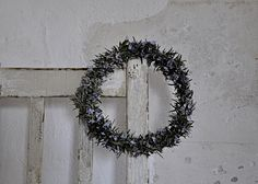 C'est la saison du romarin en fleurs, l'inviter dans la cuisine.         Profitez des cadeaux de la nature ,ces bonheurs simples qui don... Bonheur Simple, 21st, Wreaths, Cake, Nature, How To Make, King, Door Wreaths, Lemon