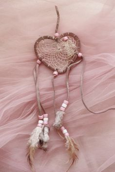 I love dream catchers and this pink heart shaped one is particularly cute Dusty Rose, Dusty Pink, Wild Spirit, Free Spirit, Rose Cottage, Desert Rose, Desert Dream, Luna Lovegood, Pink Brown
