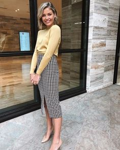 Good morning ladies and happy Friday😊💫 We are absolutely loving this combo. - Good morning ladies and happy Friday😊💫 We are absolutely loving this combo of Sophies. A soft knit complemented with a striking checkered… Source by - Casual Work Outfits, Business Casual Outfits, Winter Outfits For Work, Mode Outfits, Office Outfits, Work Casual, Fashion Outfits, Business Attire, Work Outfits For Women