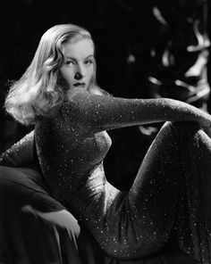 #Cinema Veronica Lake (November 14, 1922 – July 7, 1973) was an American film actress and pin-up model.