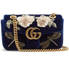 Gucci GG Marmont mini quilted-velvet cross-body bag (12.610 BRL) ❤ liked on Polyvore featuring bags, handbags, shoulder bags, gucci shoulder bag, mini shoulder bag, quilted purses, quilted cross body purse and quilted handbags