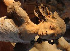 sculpteur fanny ferré. terre cuite - échelle humaine #girl #sculpture