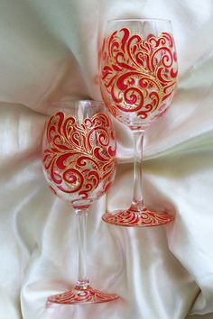 Hand painted wine glasses personalized ornaments wine glasses, wedding wine glasses, funny wine glasses, Pattern Wine Glasses Set of 2 glass
