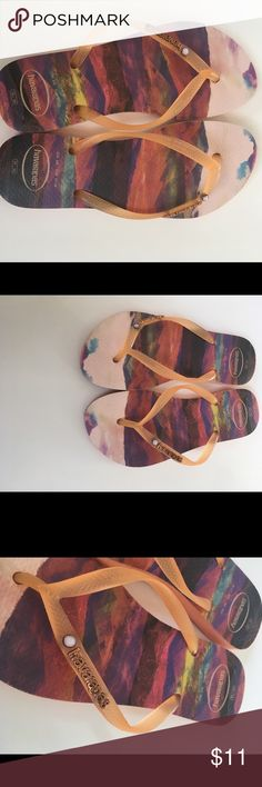 Havaianas size 6w wore 1 time Beautiful print, worn 1 time Havaianas Shoes Sandals