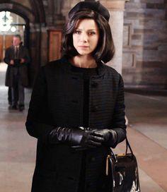 Claire mourns the loss of Frank Diana Gabaldon Outlander Series, Outlander Tv Series, Claire Fraser, Jamie Fraser, Mejores Series Tv, Outlander Costumes, Tartan, Beautiful Costumes, Caitriona Balfe