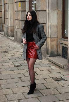 277b7fec2 7 melhores imagens de meia calça vermelha