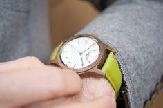 Sissy & Max ist die junge, außergewöhnlich trendige Uhrenkollektion by Waidzeit Austria. Verarbeitet wird ausschließlich edles Walnussholz, durch einfach wechselbare Armbänder können Sie sich Ihre Uhr passend zum Outfit selbst zusammenstellen .