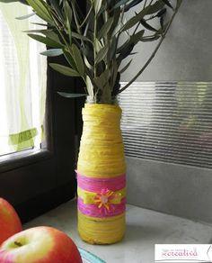 Oggi mi sento creativa: Un vaso primaverile per i rami d'ulivo