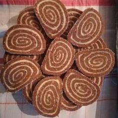 Keksztekercs   Linda receptje - Cookpad receptek Croatian Recipes, Dessert Recipes, Desserts, Cookies, Food, Tailgate Desserts, Crack Crackers, Deserts, Biscuits