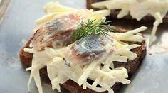 Закуска из селедки сяблоками исметаной. Пошаговый рецепт с фото на Gastronom.ru