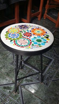 Mosaic Art, Mosaics, China Crafts, Mosaic Designs, Outdoor Furniture, Outdoor Decor, Decorative Items, Projects To Try, Tables