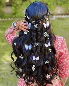 #Trending – Stunning Butterfly Hairstyles For Your Big Day! Half Updo Hairstyles, Indian Bridal Hairstyles, Simple Wedding Hairstyles, Hairstyle Ideas, Butterfly Hairstyle, Best Bridal Makeup, Sleek Ponytail, Hair Game, Trending Hairstyles