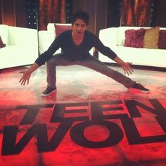Tyler Posey behind the scenes of Teen Wolf. Mtv Shows, Best Tv Shows, Best Shows Ever, Movies And Tv Shows, Favorite Tv Shows, Teen Wolf Mtv, Teen Wolf Cast, Only Teen, Wolf Stuff