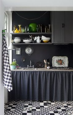 """11 Ways to Add a Little Style to Your Rental Kitchen — Renters Solutions """"Home & Garden. the country-kitchen look: replace cabinets doors with a skirt. Decor, Home Kitchens, Black Kitchens, Sweet Home, Cottage Kitchen, Interior, Vintage Kitchen, Rental Kitchen, Home Decor"""