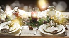 Christmas table setting. Holiday Decorations. by anjelagr #Food #Drinks #fadighanemmd