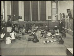 Caption: Blackfriars Public School - Montessori method Date: c 1913 Montessori Classroom Layout, Montessori Quotes, Montessori Activities, Maria Montessori, Educational Leadership, Educational Technology, Physics And Mathematics, Montessori Materials, Learning Quotes