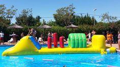 Todos se lo pasan genial con los inflables de la aquatic party! Everybody has fun with inflatables at aquatic party!