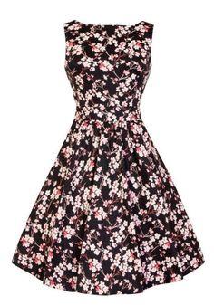 Cherry Blossom Tea, lyhyt musta kellomekko Miss Windy Shopista: www.misswindyshop.com #musta #kellomekko #kukkamekko #juhlamekko