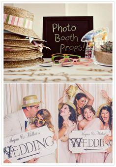 love photobooths at weddings