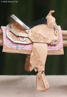 model horse western show saddle