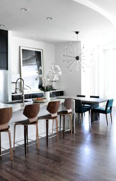 URBAN HIGH RISE RENOVATION//MODERN INTERIOR DESIGN