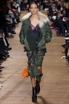 Sacai Fall 2017 Ready-to-Wear Fashion Show - Nandy Nicodeme
