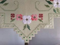 Hardanger Embroidery, Hand Embroidery Stitches, Floral Embroidery, Cross Stitch Embroidery, Embroidery Patterns, Cross Stitch Patterns, Broderie Bargello, Bargello Needlepoint, Mexican Embroidery