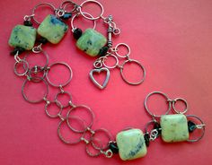 collana cerchi argentati e corniola, chisura argento antico a cuore, regalo per lei