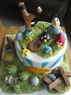angry birds cake @Cathy Olds