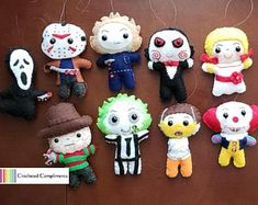 Halloween Crafts To Sell, Halloween Ornaments, Crafts For Kids To Make, Felt Ornaments, Halloween Diy, Christmas Crafts, Felt Crafts Diy, Nerd Crafts, Foam Crafts