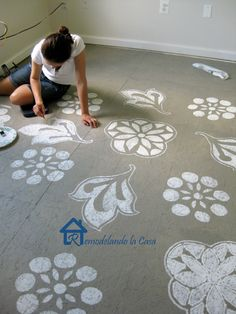 DIY - A very economical way to transform your floor - Painted Designs on Floor