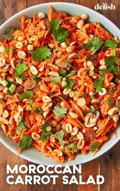 Moroccan Carrot Salad Has The Most Addicting Dress - Salades Composees Marocaine Side Recipes, Healthy Recipes, Healthy Salads, Healthy Food, Moroccan Salad, Moroccan Dishes, Veggie Meal Prep, Moroccan Carrots, Carrot Salad Recipes