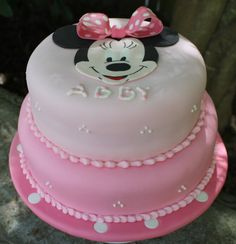 Flore Cakes: Minnie Mouse Cake