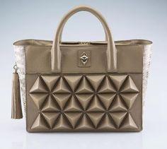 Sofia Al Asfoor Classic Shield Bag Fashion Fashion Blog www.jemappellestephani.blogspot.com