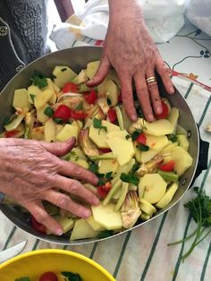 Italian Cooking, Italian Recipes, Romanian Food, Polenta, Food Art, Potato Salad, Dessert Recipes, Food And Drink, Chicken