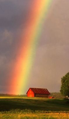 Somewhere over the rainbow in Finland • photo: Henri Bonell on Flickr