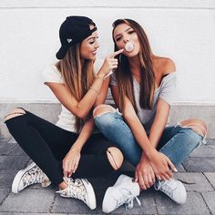 Always funny with you ❤️ – Bff Pins Poses Photo, Picture Poses, Shooting Photo Amis, Friend Tumblr, Bff Pictures, Friendship Pictures, Best Friend Pictures, Photography Poses, Best Friends