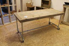 http://www.hnvi.nl/veiling-kavel/verrijdbare-tafel-met-steigerhouten-bovenblad-en-buisstalen-frame-afmeting-182-x-78-cm-hoogte-79-cm