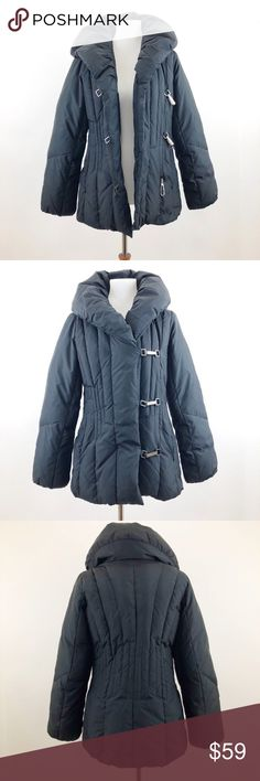 """Down Jacket Puffer Coat Zip Up Puffy Feather Larry Levine Down Winter Puffy Coat Black Small Women Clasp Zip Up  Tag Size - S  - Bust -  19""""   - Sleeve   - 24""""  - Shoulder to Hem- 28""""  - Shoulder to Shoulder - 14.5""""  - 60% Down Clusters  - 40% Down Feathers Larry Levine Jackets & Coats Puffers"""