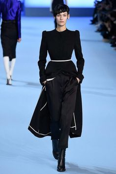 http://www.vogue.com/fashion-shows/fall-2017-ready-to-wear/haider-ackermann/slideshow/collection