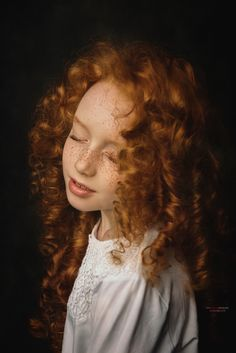 Katya. Фотограф Пилипчук Константин Dark Portrait, Beauty Portrait, Bebi Photo, Children Photography, Fine Art Photography, Cute Baby Bunnies, Professional Photographer, Portrait Photographers, Redheads